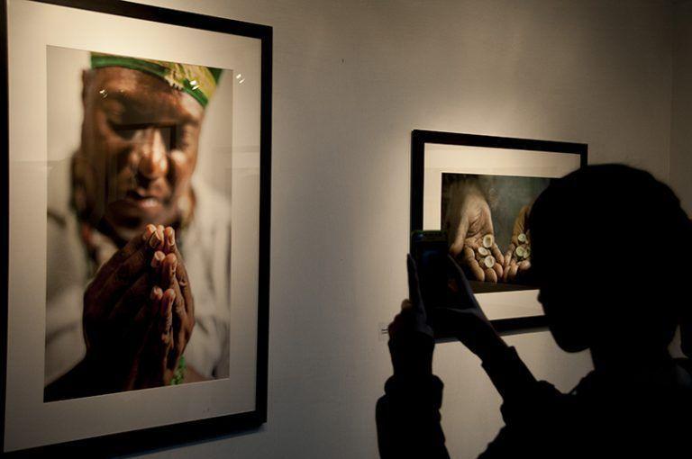 Inauguran exposición fotográfica del cubano Roberto Chile