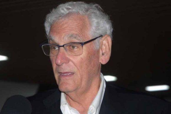 El doctor Berman es también expresidente de la Academia Americana de Pediatría y ha condenado el bloqueo norteamericano contra Cuba en numerosas ocasiones. Foto: Prensa Latina