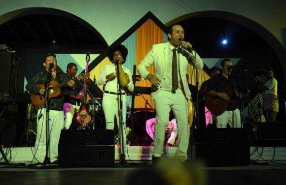 El conjunto Sones de Oriente, participó en la tradicional Fiesta de la Bandera. Foto: Miguel RUBIERA JÚSTIZ/ ACN.