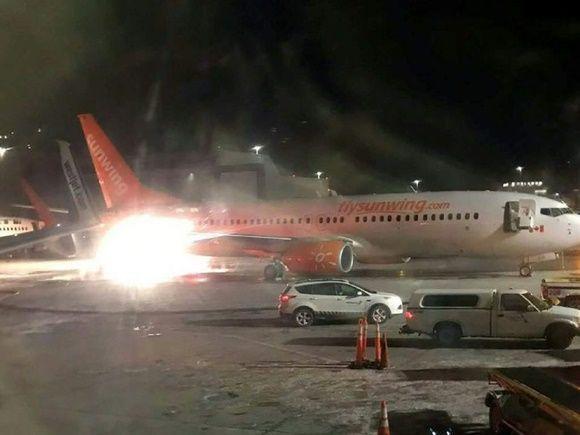 Dos aviones chocan sin provocar heridos en el aeropuerto