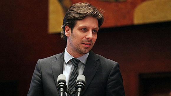 Guillaume Long renuncia por autoritarismo de Lenín Moreno