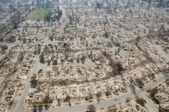 Vista aérea de las casas reducidas a cenizas en Santa Rosa (California, EE UU) el 12 de octubre de 2017. Foto: Getty Images.