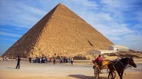 """Los egipcios se equivocaron, Giza está """"torcida"""""""