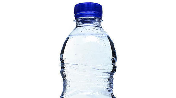 La ltima moda californiana beber agua cruda y sin tratar - Agua sin cal ...