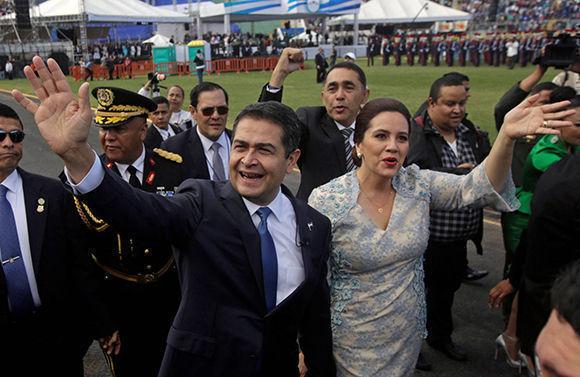 Juan Orlando toma posesión como presidente de Honduras en medio de protestas