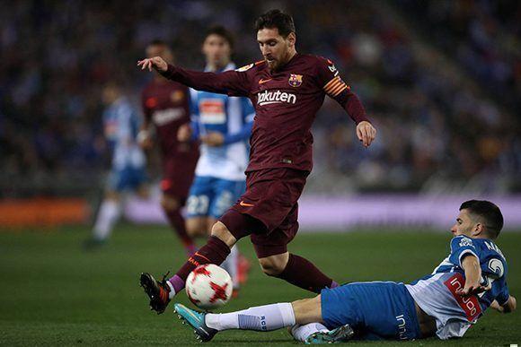 7820d2f9c9 Lionel Messi ha fallado 21 de los 86 penaltis que ha lanzado en su carrera  con el FC Barcelona. Esta vez le costó la victoria a su equipo. Foto   Reuters.