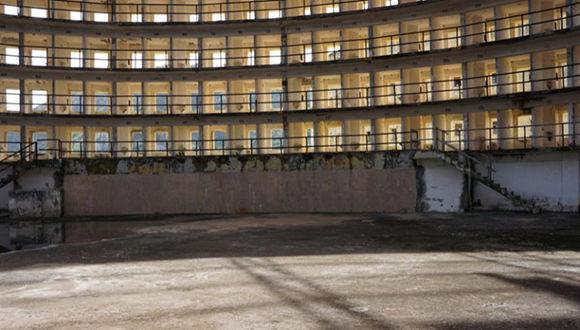 Desde dentro y fuera de Presidio se forzó la liberación de los revolucionarios encarcelados porque a la entrada del penal se habían concentrados los pineros. Foto: Archivo del autor