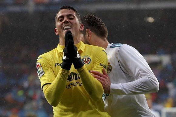 El centrocampista del Villarreal Pablo Fornals lamenta una ocasión fallida  de gol. Foto  AFP. 8a10cd61f049b