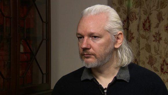 Tribunal británico ratifica orden de detención contra Assange