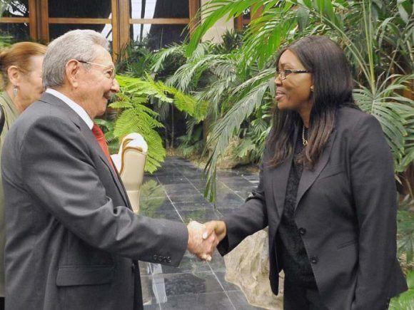 Presidente Raúl Castro recibió en La Hqabana a primera ministra de Namibia