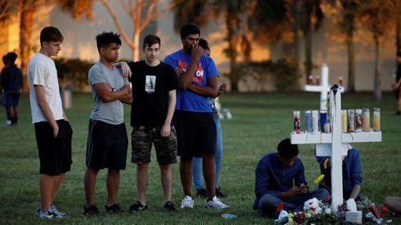 La feria tiene lugar a menos de una hora en auto del lugar de la matanza. Foto: Reuters.