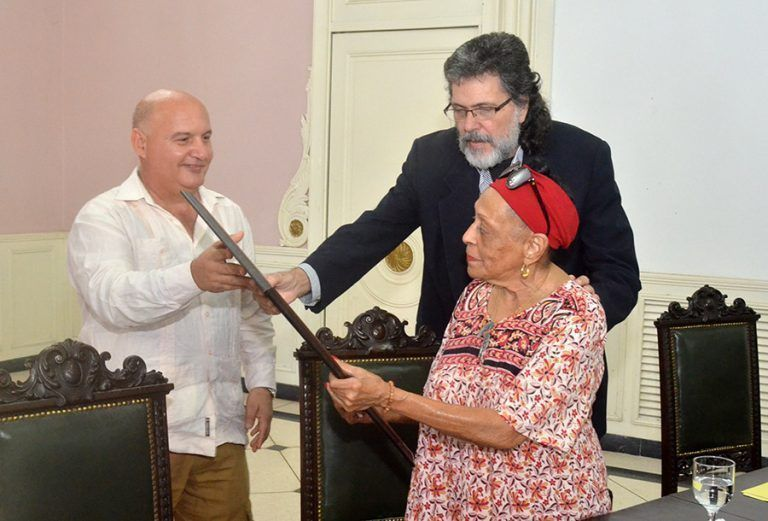 Recibe Omara Portuondo Doctorado Honoris Causa en Artes (+ Fotos)