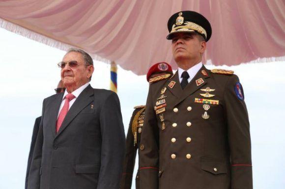 Raul Castro arrives in Venezuela