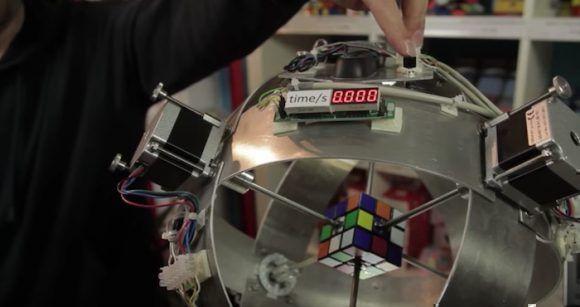 #Video Robot arma el cubo Rubik en .38 segundos