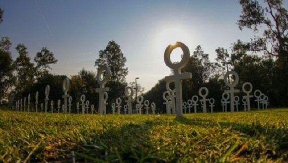 La ONU-Mujeres realizaron una instalación artística para protestar contra los feminicidios y la violencia de México