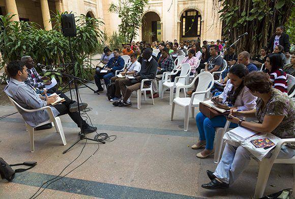 """Sesiona Foro Juventudes """"Pensando Américas"""" en Cuba"""