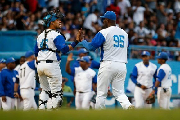 Eight Cuban players to play pro baseball in Italy