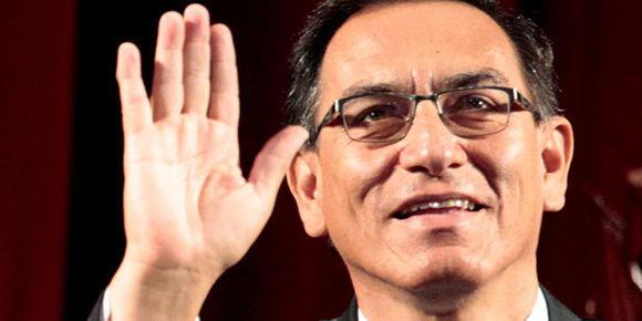 Vicepresidente de Perú confirma su regreso al país para jurar como presidente