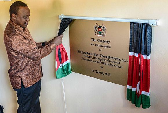 Presidente de Kenya inaugura embajada de su país en Cuba