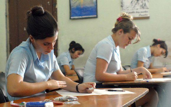 Fotos Ilustrativas sobre los preparativos para la prueba de ingrenso.