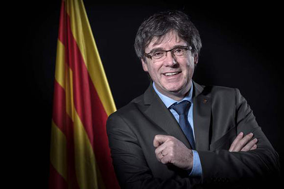 Puigdemont retira candidatura como presidente de Cataluña