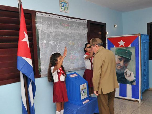 Voto de firmeza y compromiso — Díaz-Canel Bermúdez