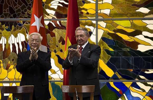 Arriban Raúl Castro y líder vietnamita a Santiago de Cuba
