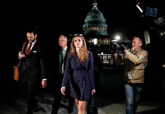 Renuncia la Jefa de Comunicación de Donald Trump