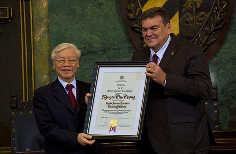 Inviste Universidad de La Habana a Nguyen Phu Trong como Dr. Honoris Causa