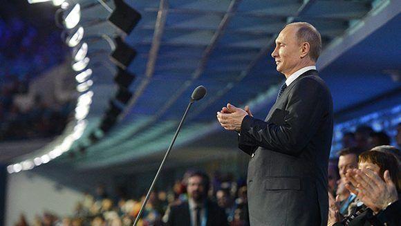 Putin dice que autorizó un plan para derribar un avión