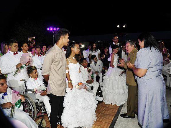 Raúl compartió con niños de la escuela Solidaridad con Panamá