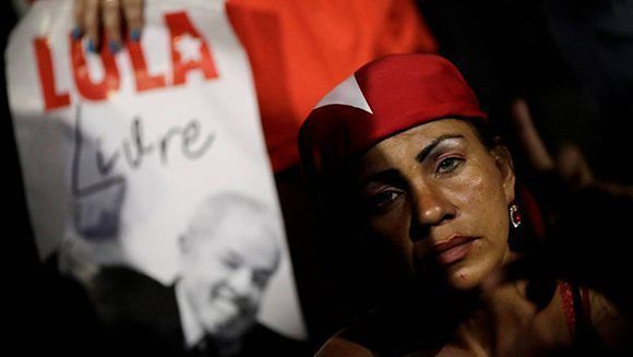 Lula recibió la visita de su familia