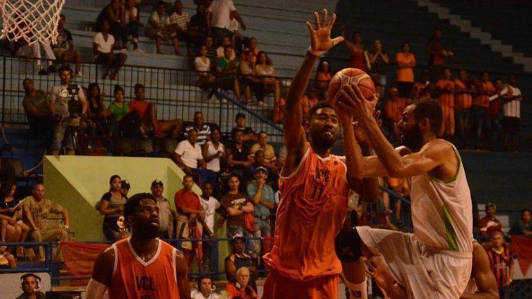 Lobos de Villa Clara conquistan título del Baloncesto cubano