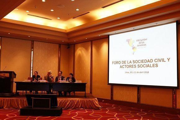 Las siete coaliciones reunidas en el horario de la mañana apenas alcanzan las 50 personas. Foto: Sergio Alejandro Gómez/ Granma.