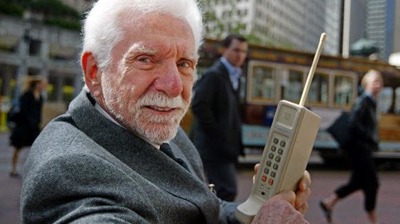 La primera llamada desde un celular data de 45 años  (+ Fotos)
