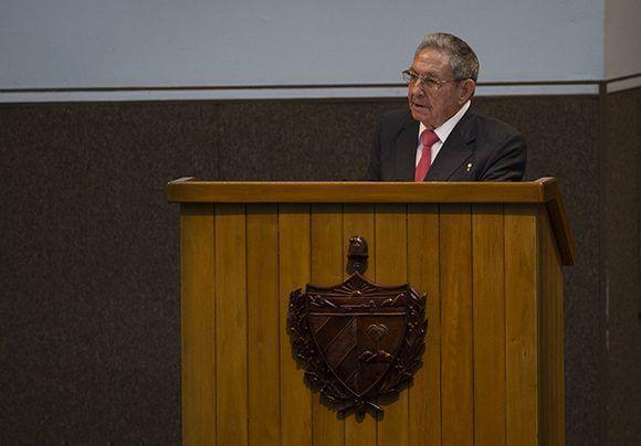 Raúl Castro: Nuestra arma más importante, la unidad de los revolucionarios y el pueblo