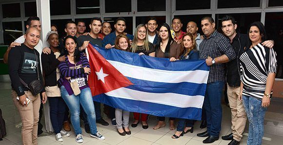 Arriba a Perú delegación de la Sociedad Civil Cubana