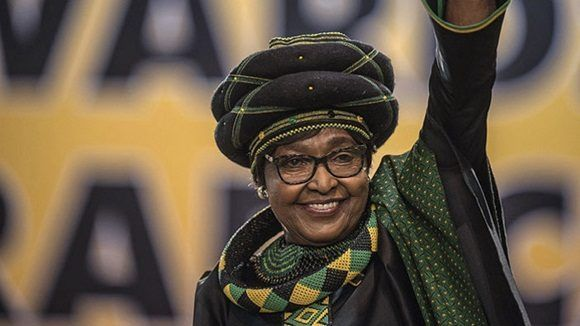 Falleció la luchadora antiapartheid Winnie Mandela