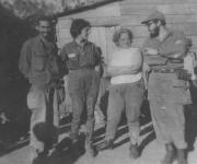 Fidel Castro, Juan Almeida Bosque, Lidia Doce y Celia Sánchez Manduley en el Primer Frente Oriental José Martí, en la Sierra Maestra. Foto: Instituto de Historia / Sitio Fidel Soldado de las Ideas