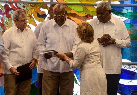 Recibe el Consejo de Estado de Cuba informe de Comisión Electoral Nacional
