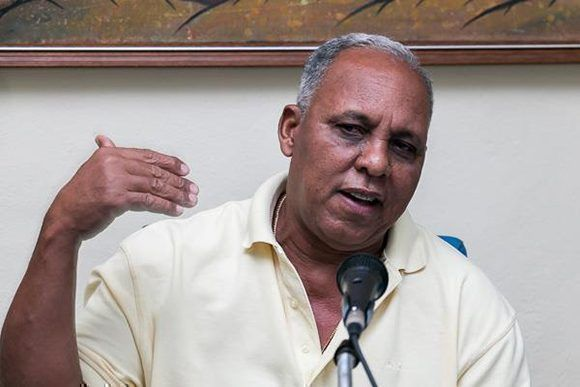 Rey Vicente Anglada designado director de Industriales