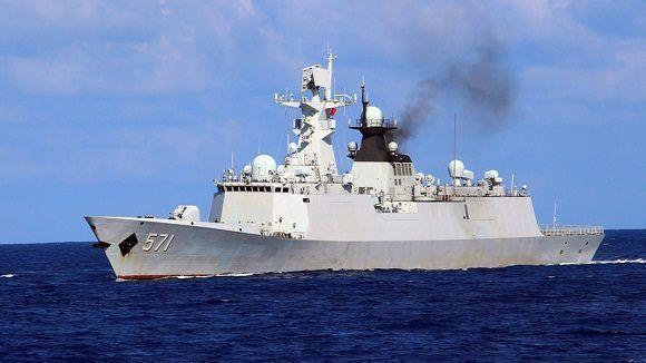 China responde a barcos de EU; envía buques y aviones