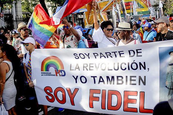 Celebran Conga Cubana contra la Homofobia y la Transfobia en La Habana