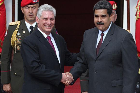 Nicolás Maduro recibe a Díaz-Canel en el Palacio de Miraflores
