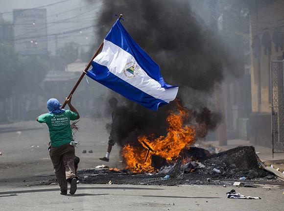 Protestas violentas persisten en Nicaragua, al menos en 10 ciudades