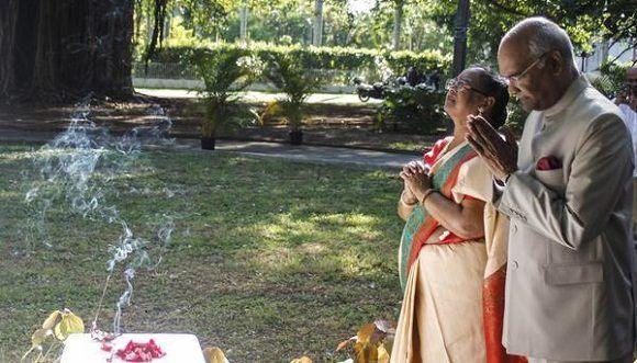 Presidente de la India rinde homenaje a Mahatma Ghandi