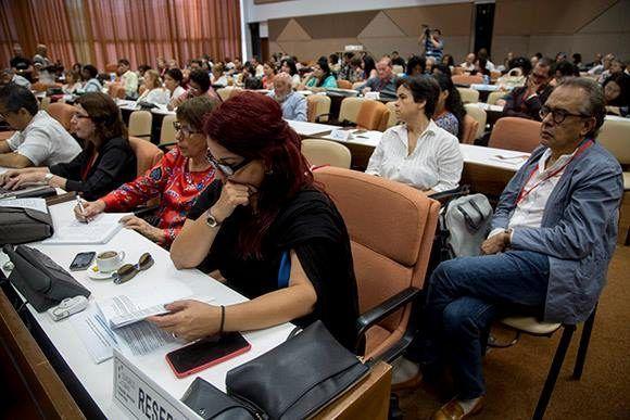 Intercambian experiencias en Cuba expertos en Educación Sexual