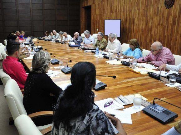 Continúa trabajo de la Comisión creada para elaborar el Anteproyecto de Constitución