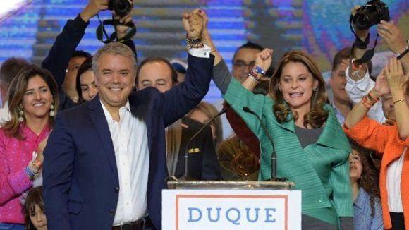 El uribista Iván Duque es elegido presidente de Colombia
