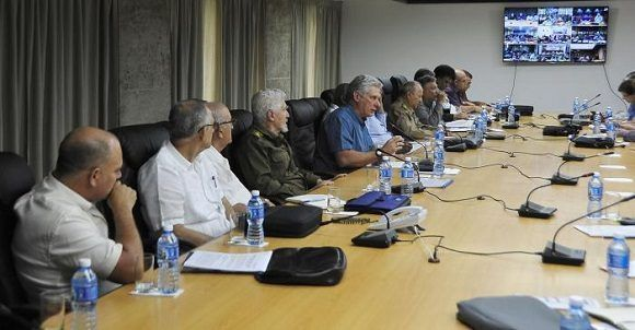 Cuban President discusses employment and investment programs